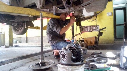 hỗ trợ sửa chữa ô tô lưu động