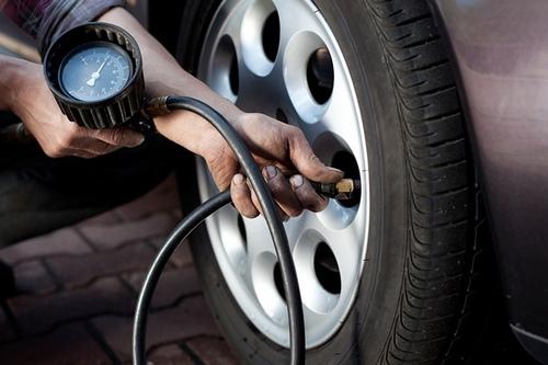 Kinh nghiệm vá xe có van đo áp suất lốp