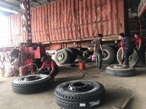 Cứu hộ lốp xe đầu kéo tại Sài Gòn