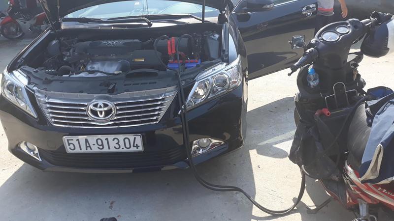 Cứu hộ xe ô tô hết điện