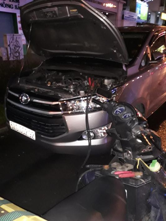 cấp cứu xe ô tô chết máy