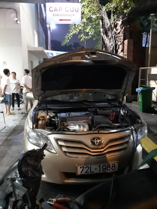 Cứu hộ ô tô hết bình ắc quy